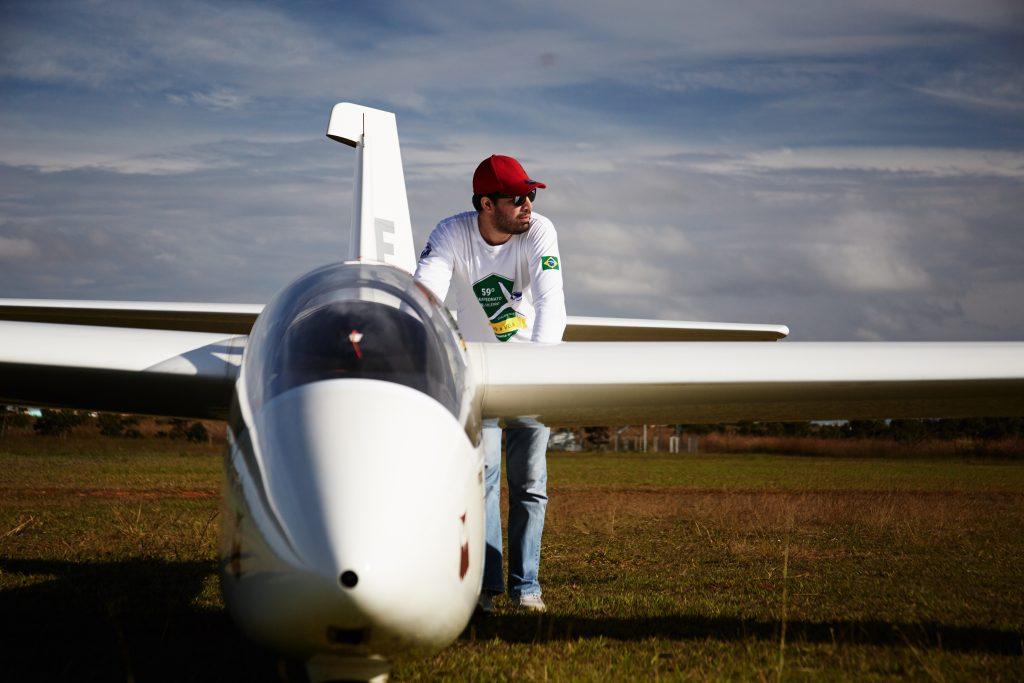 Fim de operação, planador para o hangar!